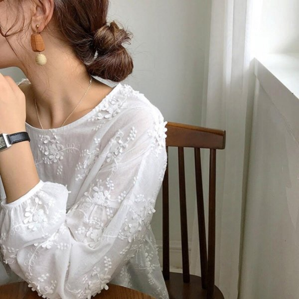 小花刺繍ブラウス レディース ブラウス 長袖 ラウンドネック ホワイト 白 レース 刺繍 大人可愛い mサイズ 20代 30代 40代|himawari1013