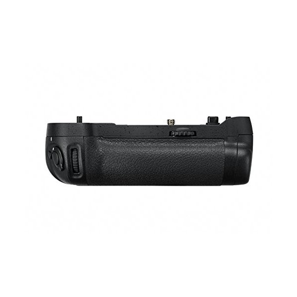 Nikon マルチパワーバッテリーパック MB-D17