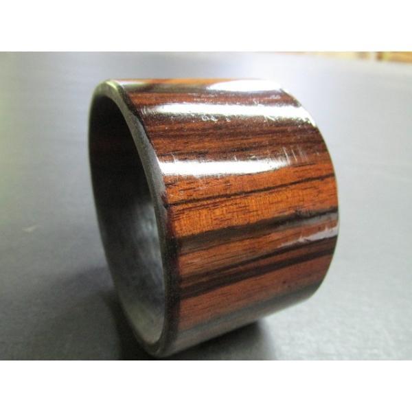 縞黒檀ポリウレタン仕上げくり抜きブレスレット 木製 銘木 木のバングル ウッド ブレスレット 木製バングル くり抜き 工芸 作家 手作り
