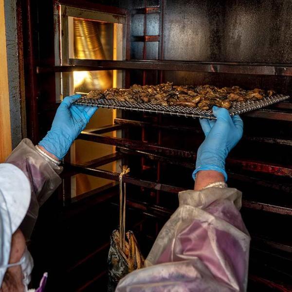 大槌の牡蛎燻製《柚子ドレッシング》ミニ  〜素材も燻製材、燻製器も全部国産。迫力の大カキを絶品スモークに hyotanjima-tomaya 07