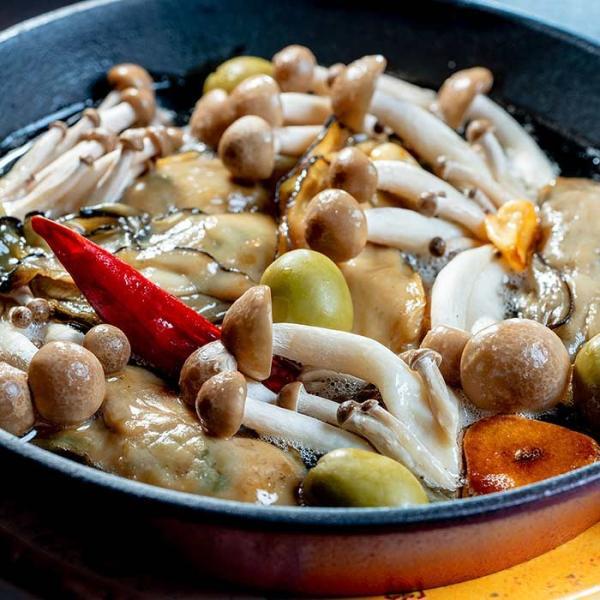 大槌の牡蛎燻製《にんにくオイル》ミニ 〜岩手・三陸産直カキなどとっておきのオイスターを贅沢スモークに。ご自宅用・ご贈答用に|hyotanjima-tomaya|06