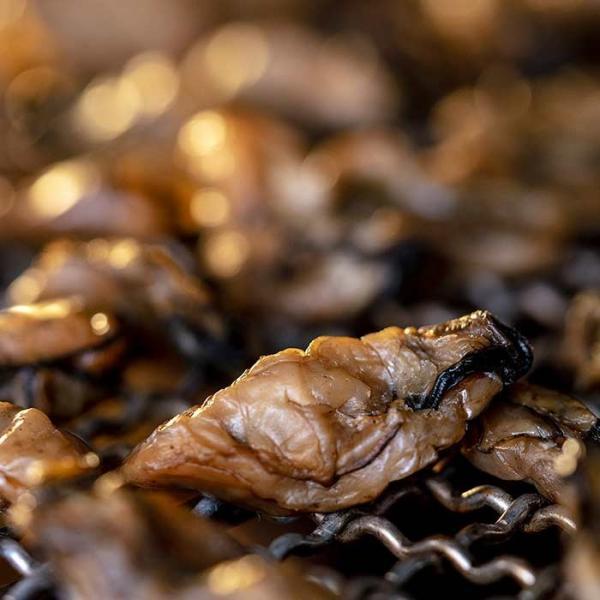 大槌の牡蛎燻製《にんにくオイル》ミニ 〜岩手・三陸産直カキなどとっておきのオイスターを贅沢スモークに。ご自宅用・ご贈答用に|hyotanjima-tomaya|09