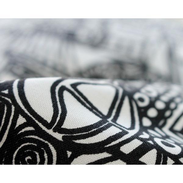 マリメッコ ブビ ミトン(オーブングローブ) ホワイト/ブラック marimekko BUBI ideale 05
