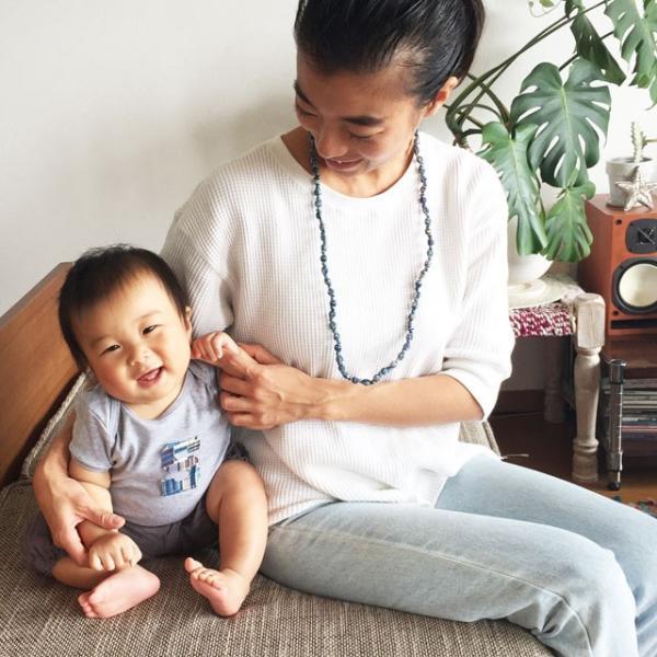 イニシャル入りロンパース+ママ用ネックレスセット