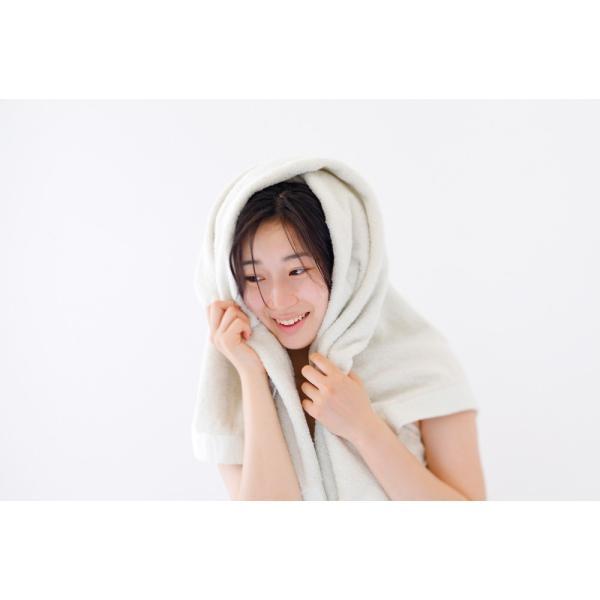 iimin 今治ずっと清潔タオル バスタオル 銀イオンの除菌力と柔らかな肌触りを持つ今治バスタオル 約 60×120cm 部屋干しでも臭いにくい 撫でるだけで水分を吸収|iimin|08