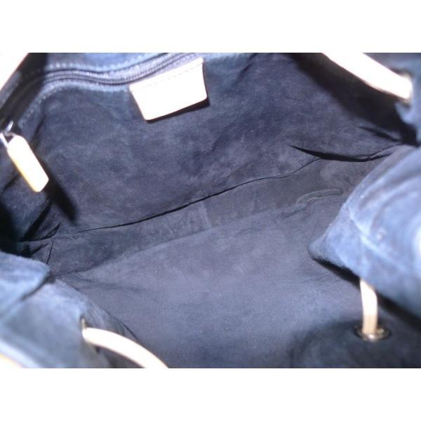 【中古】グッチ ショルダーバッグ レザー ベージュ 片掛け 巾着型 0013748