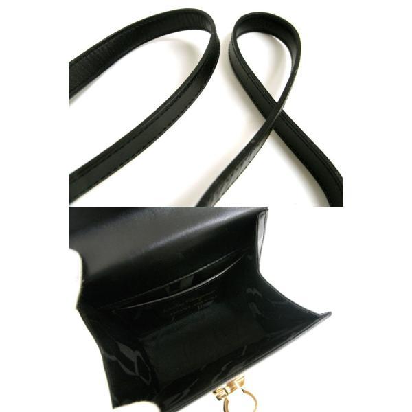 フェラガモ サルバトーレ・ ショルダーバッグ ガンチーニ レザー ブラック×ゴールド金具