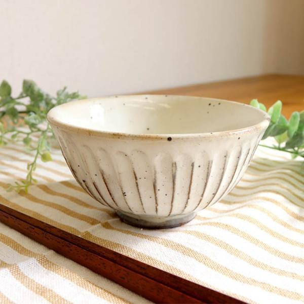 粉引釉しのぎ飯碗小1個/美濃焼 日本製 飯碗 茶碗 お米 新米 ごはん 炊き込みご飯 混ぜご飯 栗ご飯 豆ご飯 1個 220ml しのぎ ナチュラル 小|irodoristore