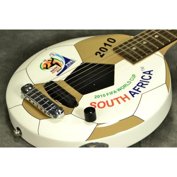 ARIA GOALRUSH GR-2010 サッカーボールギター(アンプ内蔵)FIFA公認(アウトレット処分大特価)(ARIA製交換弦1セットプレゼント!!/+811130600)|ishibashi
