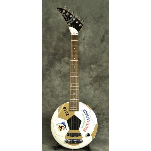 ARIA GOALRUSH GR-2010 サッカーボールギター(アンプ内蔵)FIFA公認(アウトレット処分大特価)(ARIA製交換弦1セットプレゼント!!/+811130600)|ishibashi|02