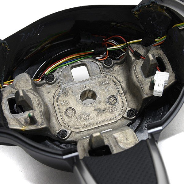 アバルト純正 695 TRIBUTO Ferrariステアリングホイール itazatsu 09