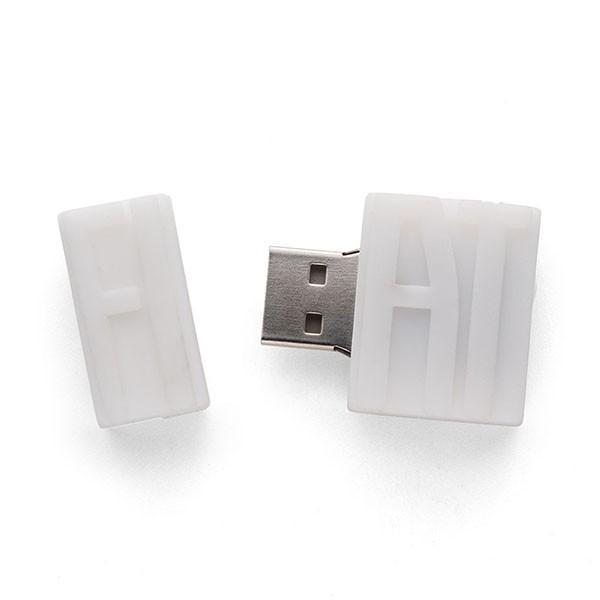 フィアット純正 ロゴUSBメモリ(16GB) itazatsu 05