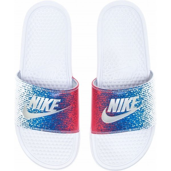 7ee55e65137e NIKE ナイキ メンズ サンダル ベナッシ USA柄 グラデーション Nike Men s Benassi USA Slide White  Metallic Silver ...
