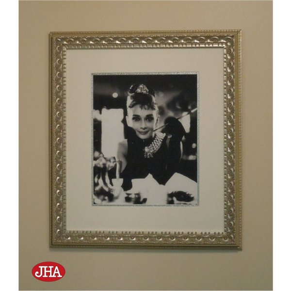 額絵 壁掛け JHAアンティークフレーム オードリー・ヘプバーン1(アンティーク・シルバーフレーム)W387×H437 AA-O-1SL ポスター