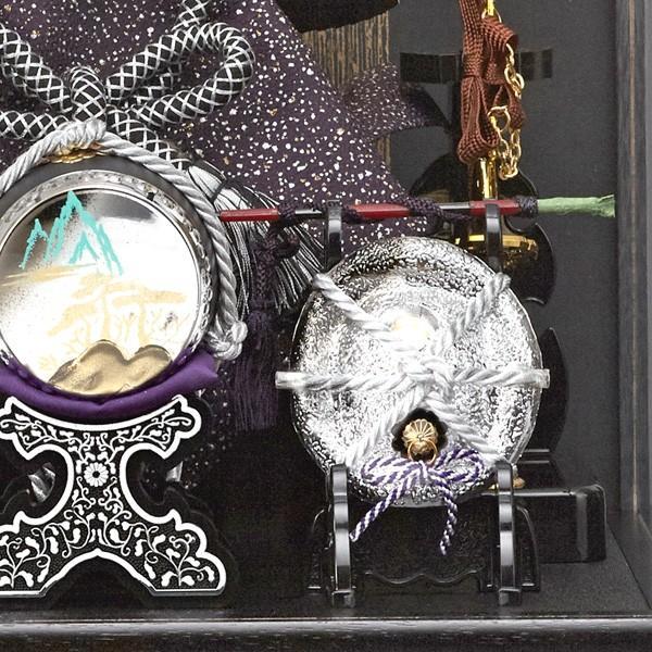 五月人形 兜 上杉謙信 ガラスケース飾り コンパクト ケース入り 銀色 シルバー 初節句飾りセット|jinya|05