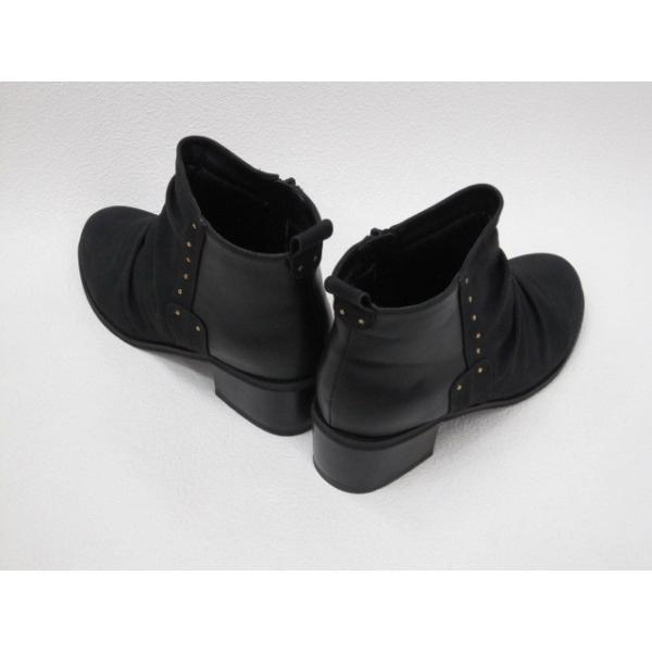 SALE / Ladies Shoes 20220 カジュアル 異素材コンビ Laブーツ 黒 22.5cm〜24.5cm (M/L表示展開) <35%OFF>