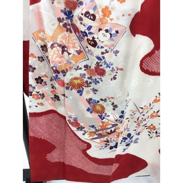 着物 名品 振袖 白 草花 冊子 金糸 刺繍 金彩 絞り 正絹 袷 158.5cm Mサイズ  リサイクル バイセル PK30