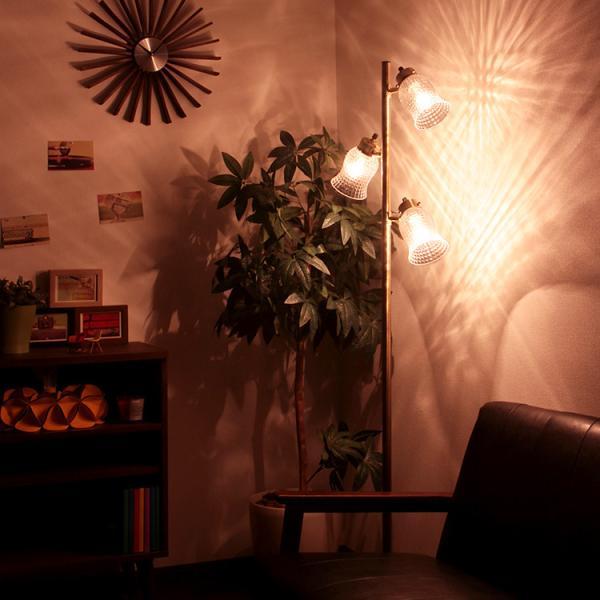 フロアライト「LARE(ラーレ)」の画像。当店照明ランキング4位獲得!