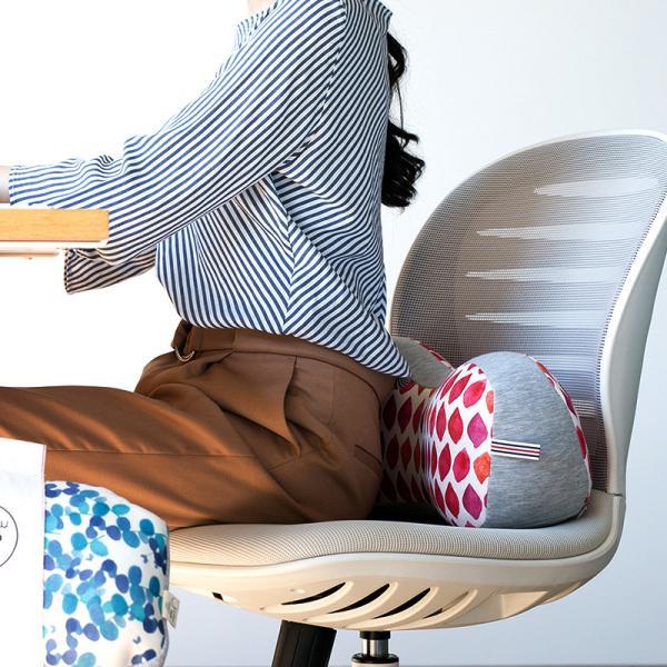 骨盤 クッション 腰痛 オフィス デスクワーク ランバーサポート 腰当て 背当て ジムファブ JIMU fab 骨盤ホールドクッション kajitano 03