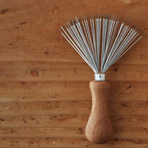 REDECKER ブラシの毛取り  レデッカー ブラシ ドイツ 掃除用具 ブラシクリーナー 髪の毛 ペットの毛 ホコリ ギフト ナチュラル 木製 インテリア おしゃれ|kajitano