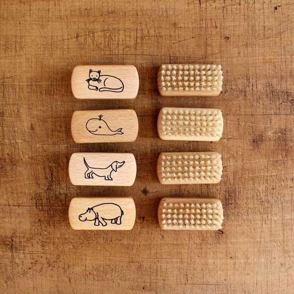 REDECKER 子供用 ネイルブラシ  レデッカー ブラシ つめブラシ 爪 ウッド やさしい 毛 豚毛|kajitano