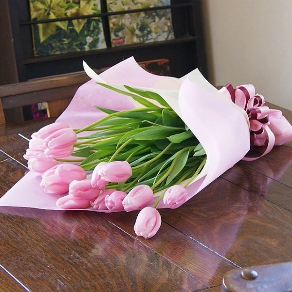 ホワイトデーに贈る 優しいピンクのチューリップ ブーケ