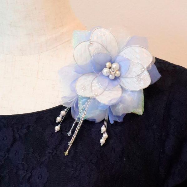 コサージュ 結婚式 卒園式 卒業式 入園式 入学式 フォーマル ブルー 水色 ホワイト 白 一点もの 一点物 パール 日本製 ケース入り 箱付き 送料無料