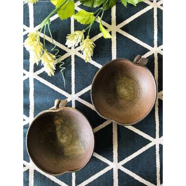 りんご浅い(小)/津軽金山焼 金山焼 陶器 日本製 手作り ギフト プレゼント 贈り物 おしゃれ お祝 器 食器 リンゴ 林檎 小鉢