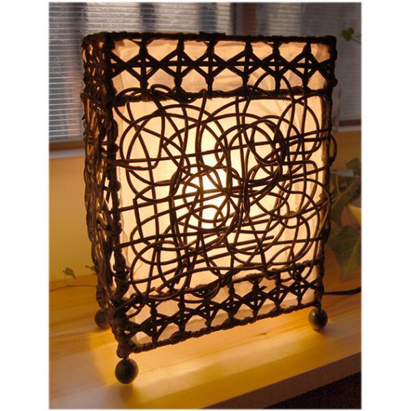 ラタン装飾テーブルランプ(卓上 照明 アジアン エスニック 籐 天然素材 インテリア ライト アジア 雑貨 スリム 素朴 インドネシア)|kayseri-ya-jp
