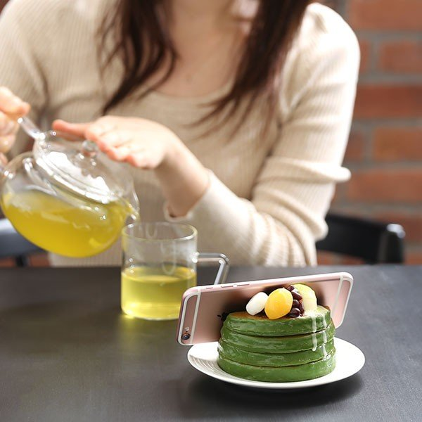 (各種スマートフォン対応)食品サンプルスタンド(濃い〜抹茶のパンケーキ)|keitai|02