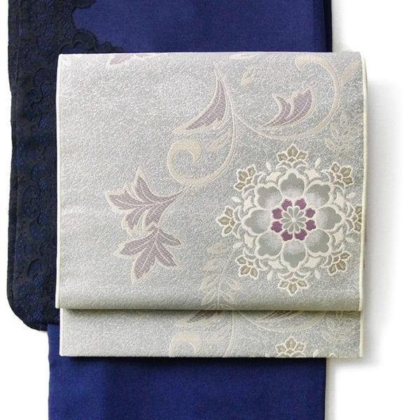 名古屋帯 輝雪華 グレー 灰 銀 紫 花 植物 着物 お太鼓 仕立て上がり 全通柄|kimono-dearjapan