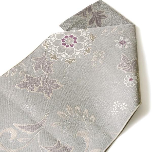 名古屋帯 輝雪華 グレー 灰 銀 紫 花 植物 着物 お太鼓 仕立て上がり 全通柄|kimono-dearjapan|04