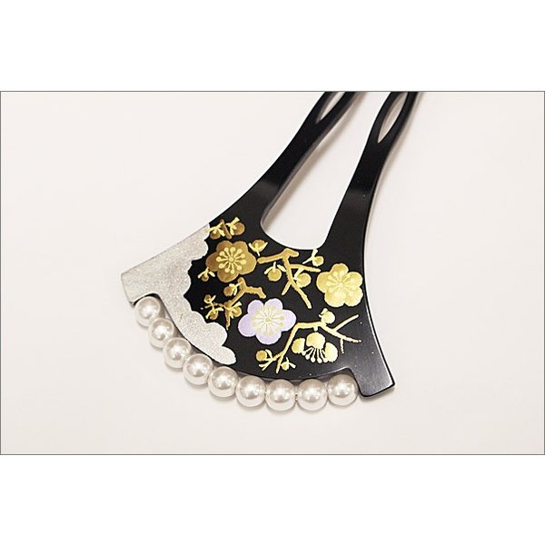 かんざし 黒留袖  50代 バチ型 パール調の飾り付き 黒色・梅柄 |kimono-waku|02