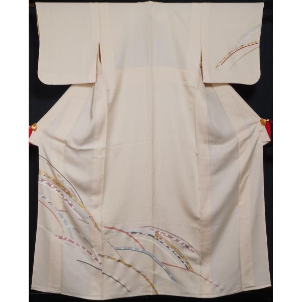 単衣 着物 訪問着 芝草に宝尽くし・春秋模様 若根笹紋 肌色 金駒刺繍 フォーマル 付下げ 6月 9月 着物 送料無料 中古 リサイクル 訪問着 着物 正絹 結婚式 kimonotenyou