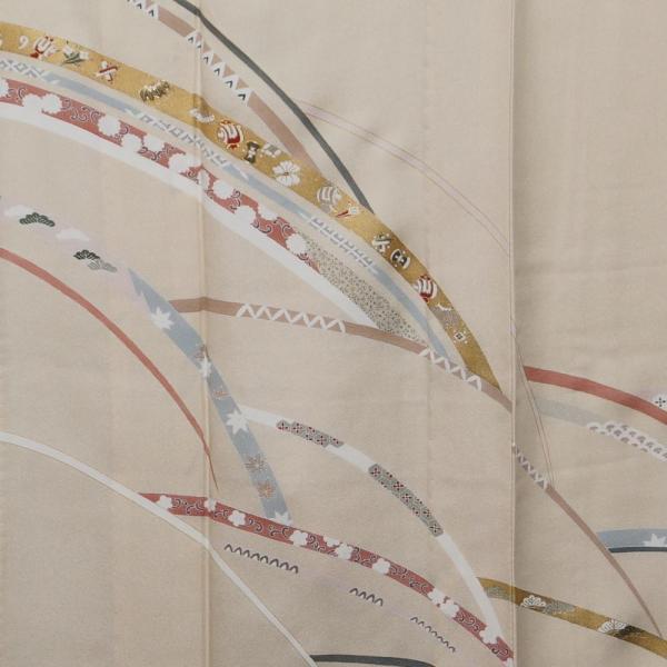 単衣 着物 訪問着 芝草に宝尽くし・春秋模様 若根笹紋 肌色 金駒刺繍 フォーマル 付下げ 6月 9月 着物 送料無料 中古 リサイクル 訪問着 着物 正絹 結婚式 kimonotenyou 03