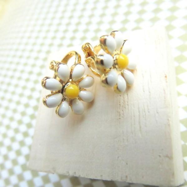 イヤリング マーガレット フラワー 花 小さめ 華奢 花 白 黄色 可愛い 上品 華やか 送料無料 レディース イヤリング 結婚式 パーティー ドレスアップ