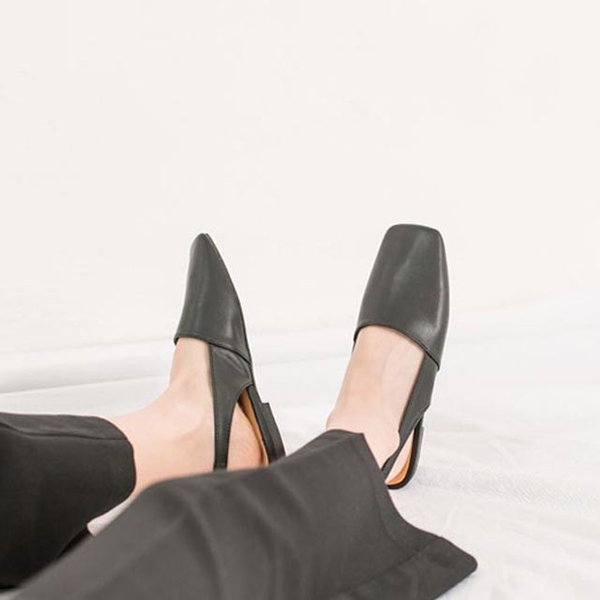 フラットシューズ バックストラップ パンプス 秋冬新作 おしゃれ トレンド 人気 韓国 ファッション 黒 ブラック