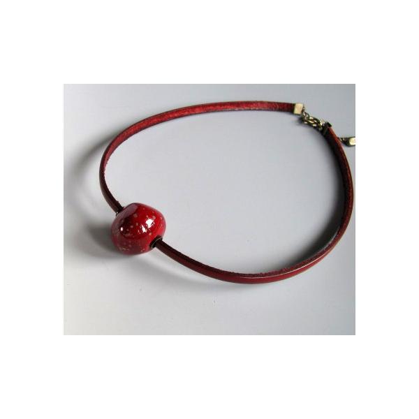 胸元に赤のポイント 楽赤×イタリアンレザー チョーカー kokochi 05