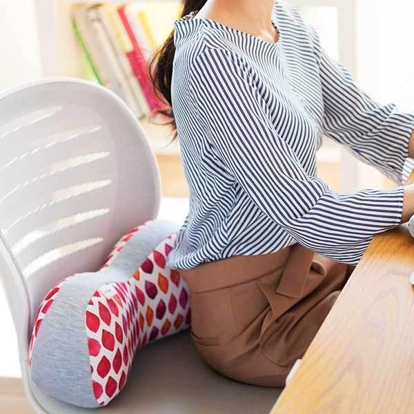 骨盤 クッション 腰痛 オフィス デスクワーク ランバーサポート 腰当て 背当て ジムファブ JIMU fab 骨盤ホールドクッション|kotubanshop|03