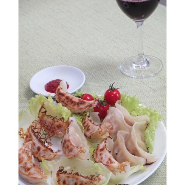 喜多方もっちりじゃがチーズ餃子(21gx50) ワインと一緒に kouhakugyoza 02