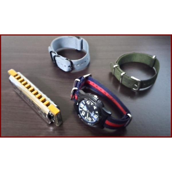 NATO ナイロン 時計ベルト 22mm幅 グリーン×レッド×ブラック 引き通し NATOベルト NATOストラップ NATOタイプ 一本通し 腕時計 布ベルト