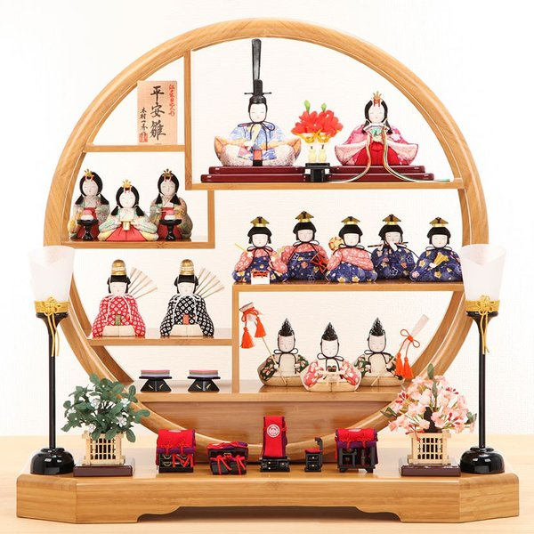 雛人形 ひな人形 雛 木目込人形 一秀 丸窓F 十五人飾|kyuhodo|02