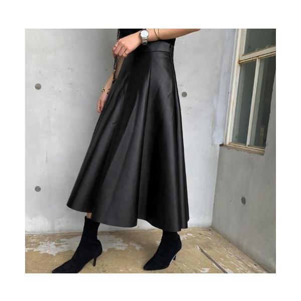 レザー風スカート