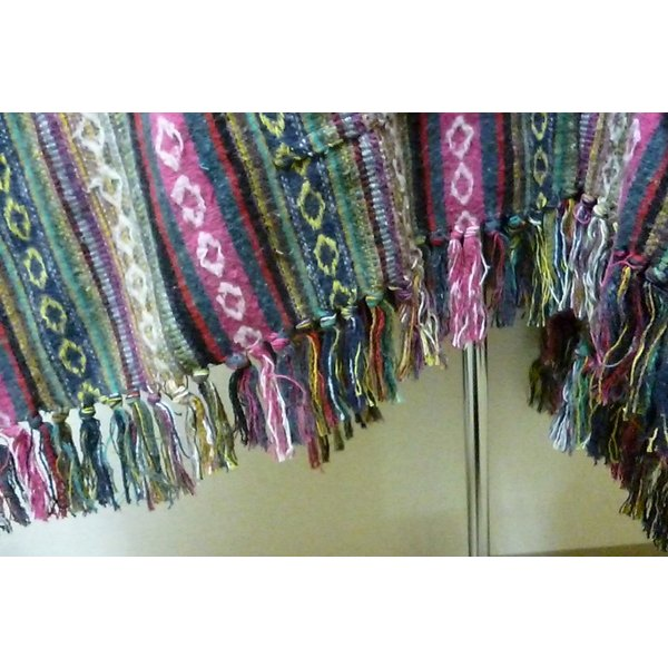 30%OFF フード付きポンチョ ゲリ織り ビッグポンチョ ゆったりトップス フリンジ ネパール あたたかポンチョ|lakshmi2011|05
