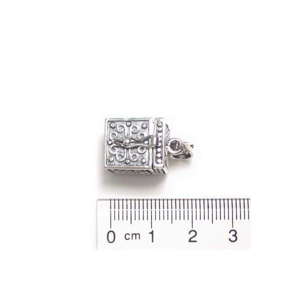 シルバー925 大きめタイプ クロスやお魚のような模様の紋章入り小さな宝石箱のペンダントトップ|laplateriashu|06