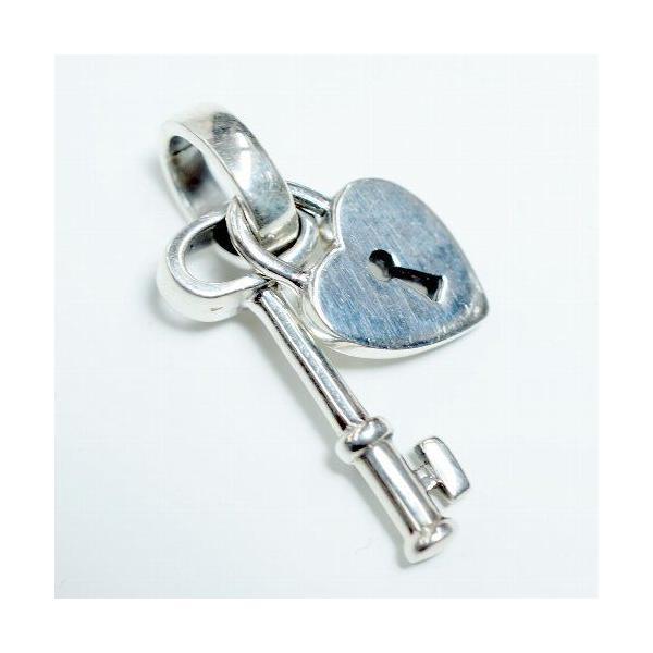 シルバー925 ハートの錠とセットになったキーモチーフペンダントトップ