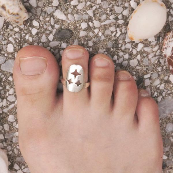 フリーサイズリングポップなツメの様な形の足指リング 3パターンから選べるリング スター ムーン ラブ
