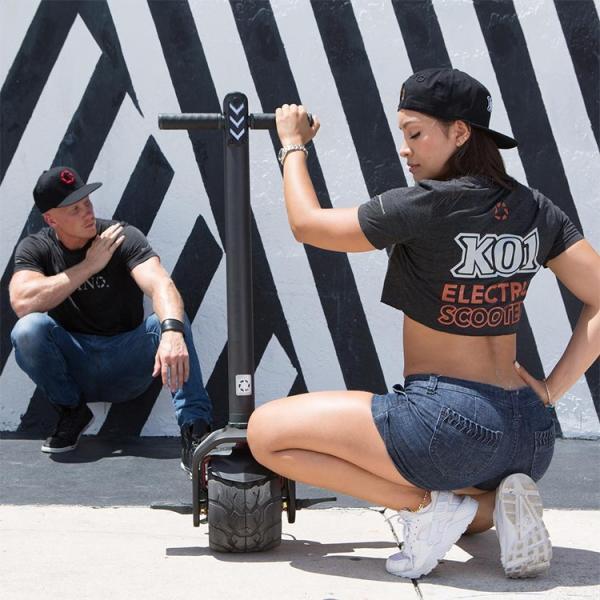 kiwano K01 立ち乗り式一輪車 電動スクーター 電動バイク スクーター バランス歩行機 アシスト歩行 バランスホイール スマートロック 正規品 lfs 20