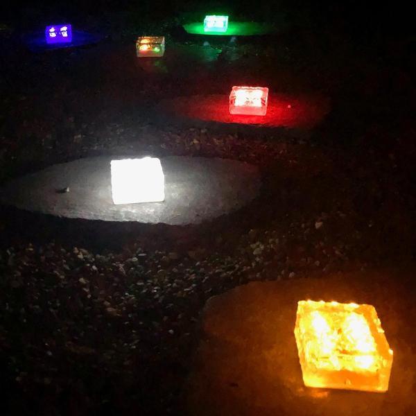 クーポンで5%OFF LED ガーデンソーラーライト 2個セット 5色 ソーラー充電式 センサー ウォールライトブロックライト ガラス 玄関 庭 防滴 照明 lifestyle-funfun 11