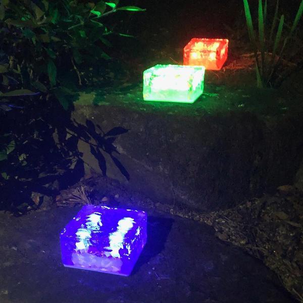 クーポンで5%OFF LED ガーデンソーラーライト 2個セット 5色 ソーラー充電式 センサー ウォールライトブロックライト ガラス 玄関 庭 防滴 照明 lifestyle-funfun 12